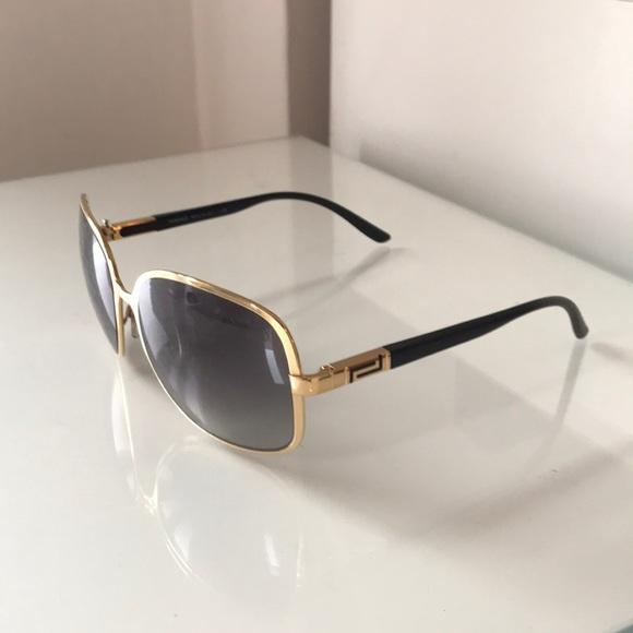 391b4de0790 Versace Gold Black Sunglasses Gradient Lens. M 5b0073b89d20f0de514b0294
